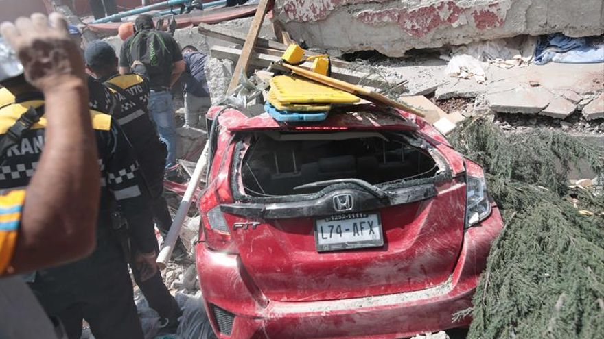 La Casa Real y los políticos españoles se solidarizan con víctimas terremoto