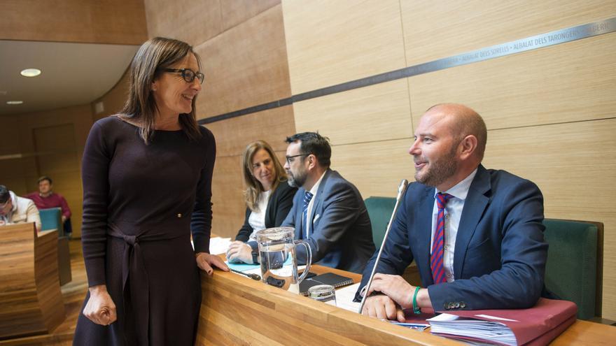 Maria Josep Amigó (Compromís) y Toni Gaspar (PSPV) en un pleno de la Diputació de València