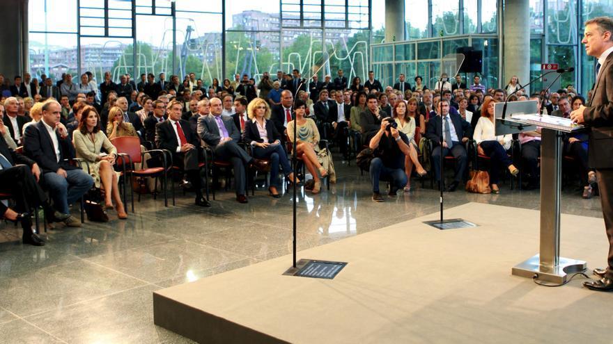 Urkullu promete rigor económico y austeridad en el gasto si gobierna Euskadi