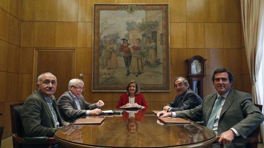 Grupo expertos evaluará en un mes el encaje de la sentencia sobre interinos