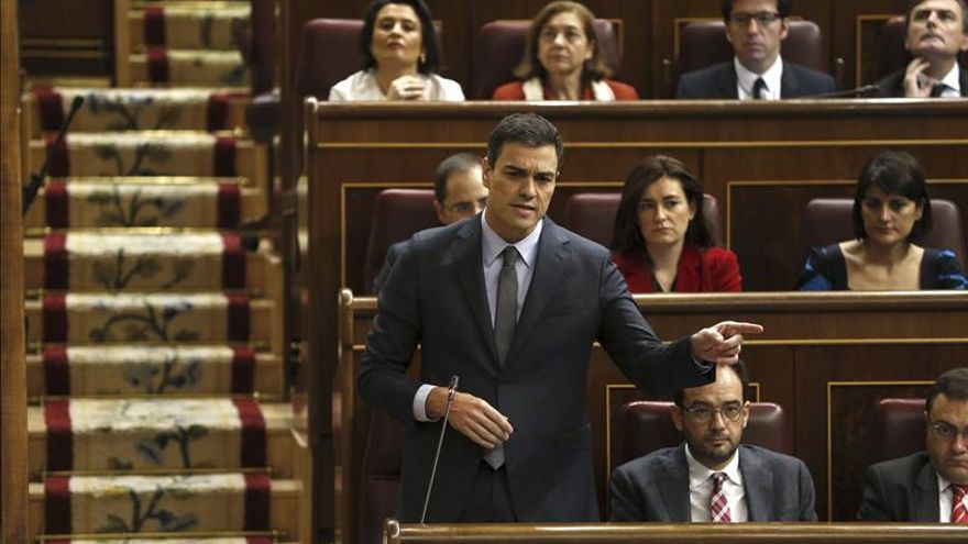 """Sánchez critica que Mas haya optado por fracturar """"aún más"""" a los catalanes"""