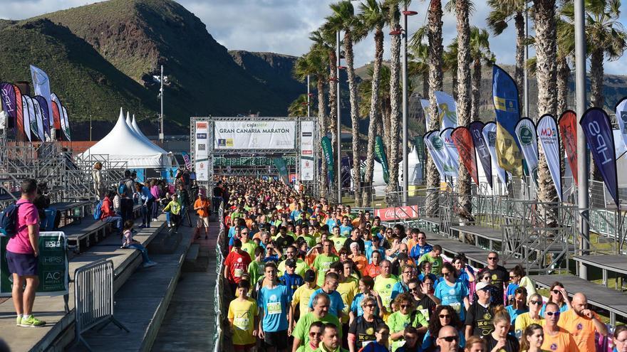 Marea multicolor de los participantes en la 3k Gran Canaria Accesible.