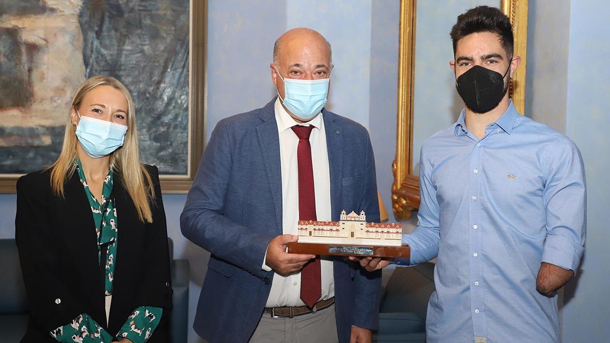 Alfonso Cabello es recibido por la Diputación de Córdoba