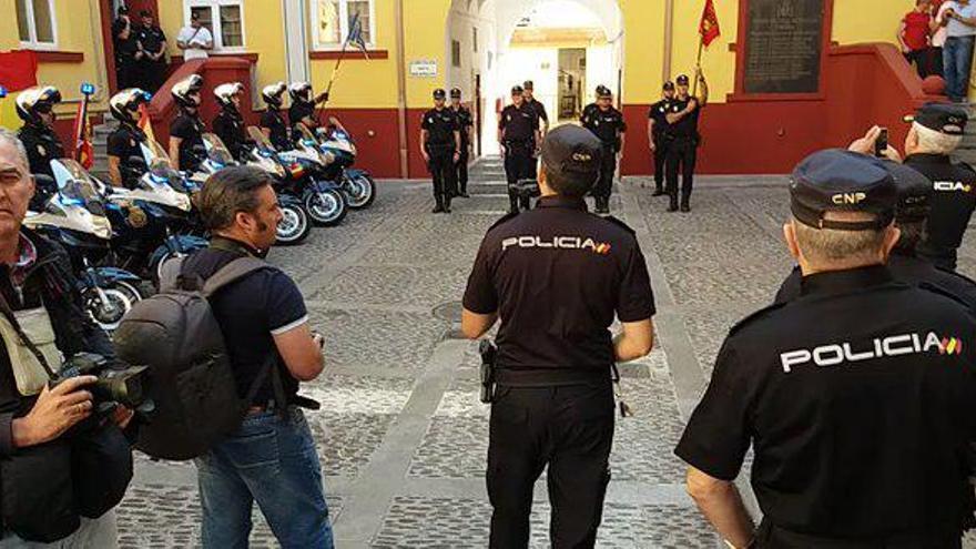 Acto de despedida a los UPR de Córdoba que partían para Cataluña