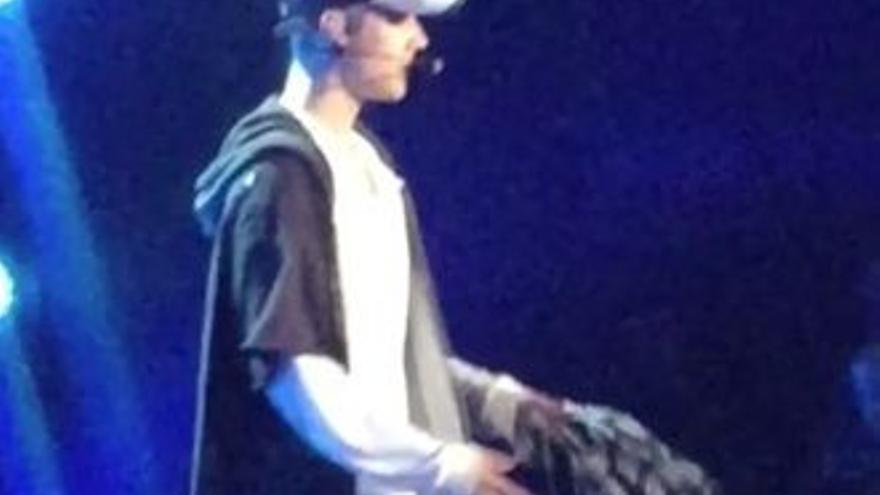 Justin Bieber la lía de nuevo y abandona un concierto tras enfadarse con sus fans