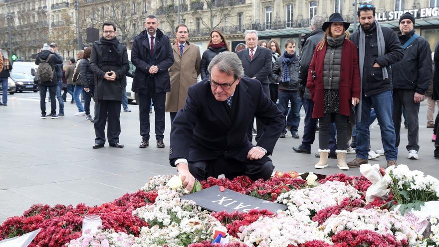 Mas homenajea a los muertos en París y ve partidismo del Gobierno central contra el terrorismo