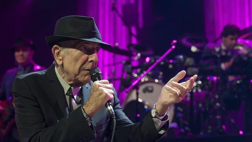 El cantante Leonard Cohen falleció tras sufrir una caída durante la noche