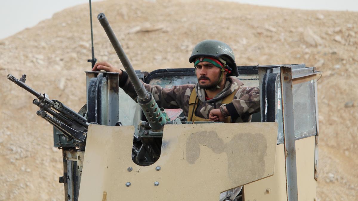 Un militar combatiendo en Afganistán