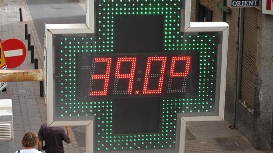 Este verano se han alcanzado temperaturas por encima de los 35 grados en las dos provincias canarias