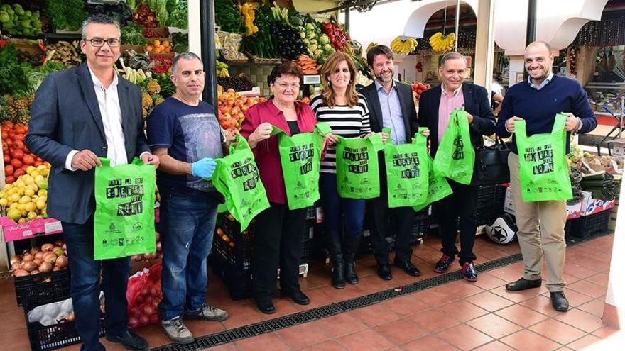 Representantes del Ayuntamiento, del Cabildo y del Mercado Nuestra Señora de África presentaron la iniciativa