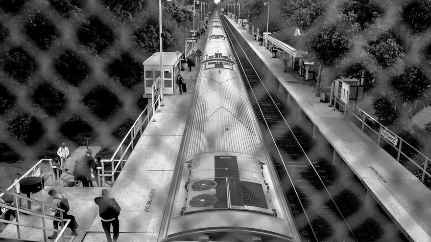 La estación de Brentwood, Long Island, en Estados Unidos, es uno de los puntos más concurridos por centroamericanos en el estado de Nueva York. El condado de Suffolk, en Long Island, es el quinto con mayor población centroamericana en EEUU y uno de los puntos de destinos de la creciente inmigración centroamericana de los últimos años. Esta isla pegada a la ciudad de Nueva York fue uno de los destinos principales de los 68 mil menores centroamericanos no acompañados que entraron de manera irregular a Estados Unidos en el año 2014.