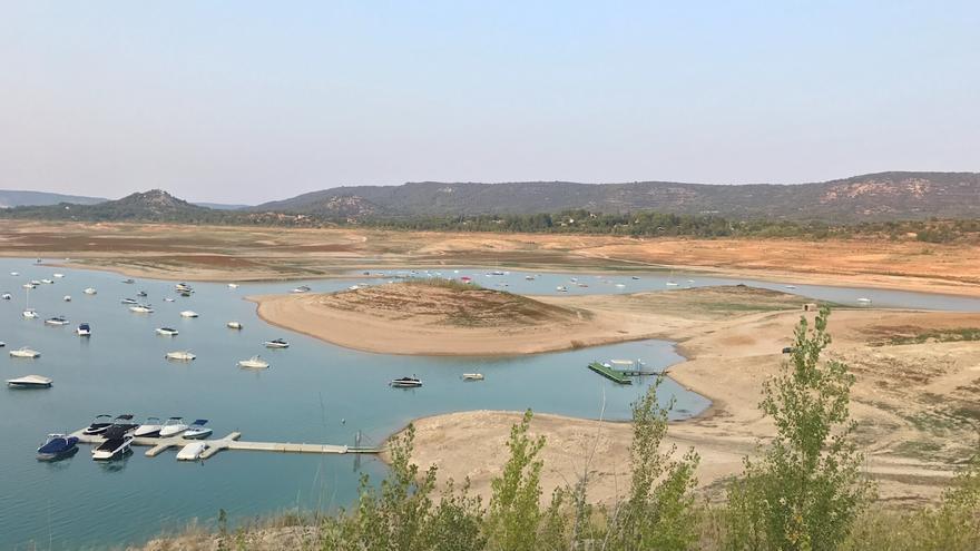 La agonía de la cabecera del Tajo ha mermado la actividad económica y turística de la zona. FOTO: Ayuntamiento de Sacudón
