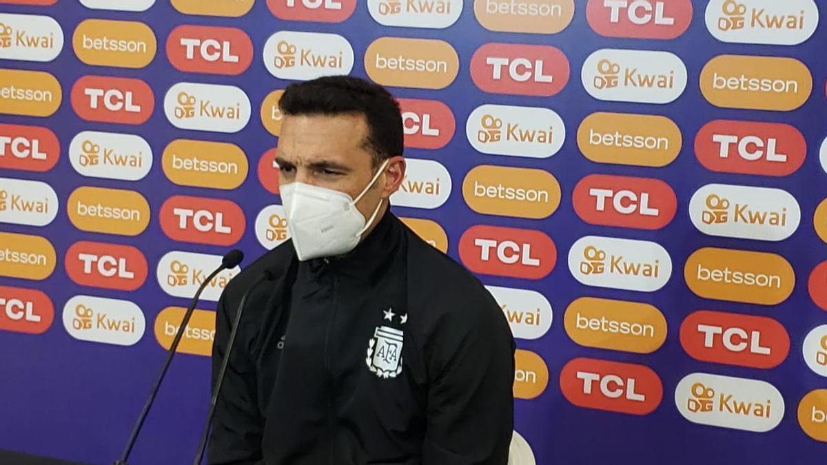 Scaloni, en la conferencia de prensa post partido.
