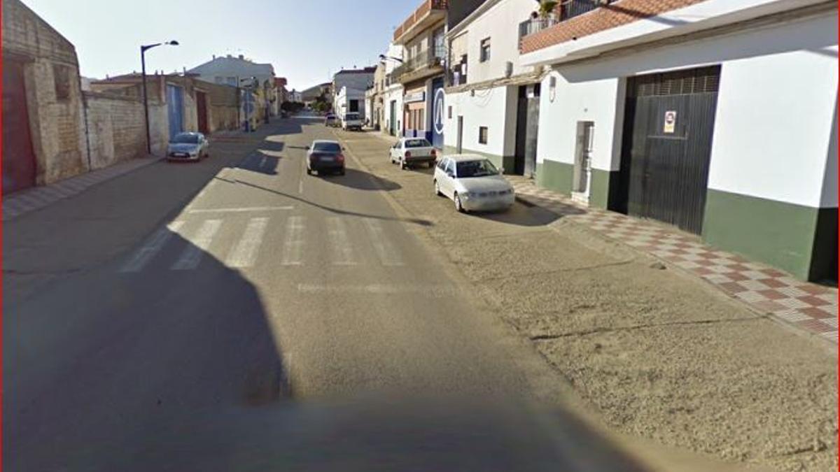 Calle Luis Chamizo en Navalvillar de Pela, donde fue la pelea