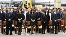Funeral por los militares del SAR fallecidos en accidente de helicóptero con la actual delegada del Gobierno, Mercedes Roldos, en el centro de la segunda fila.  (ALEJANDRO RAMOS)