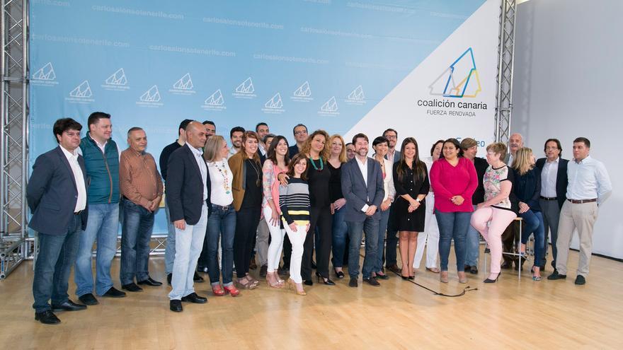 El candidato, Carlos Alonso, estuvo respaldado por su plancha y miembros del partido en la isla.