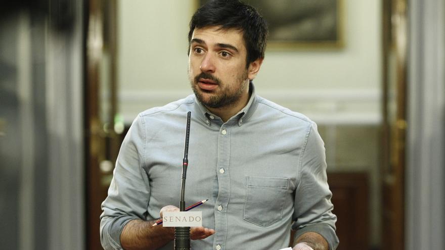 """Espinar acusa al Gobierno de """"no hacer nada"""" para que Cataluña se quede en España"""