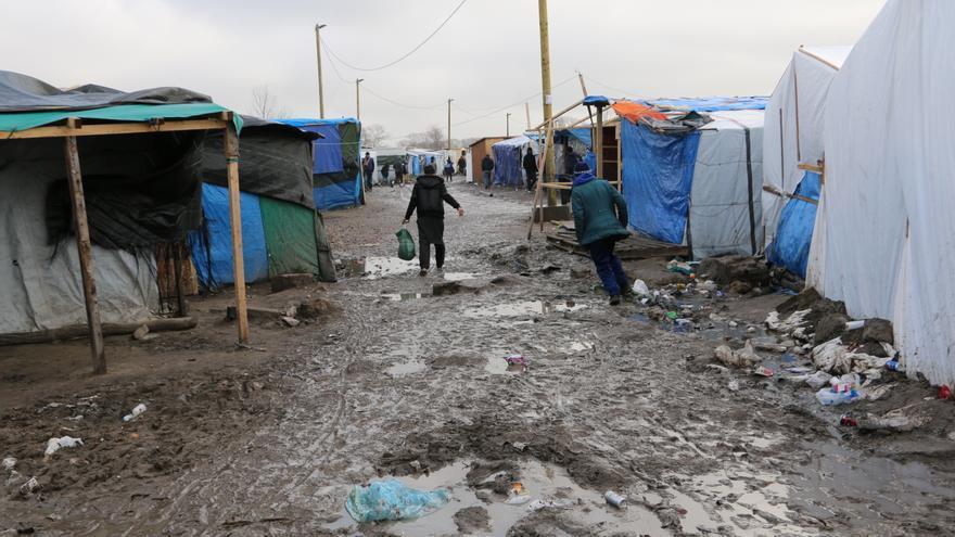 Zona sur del campamento de refugiados y migrantes de Calais, Francia.   Foto: LUNA GÁMEZ.