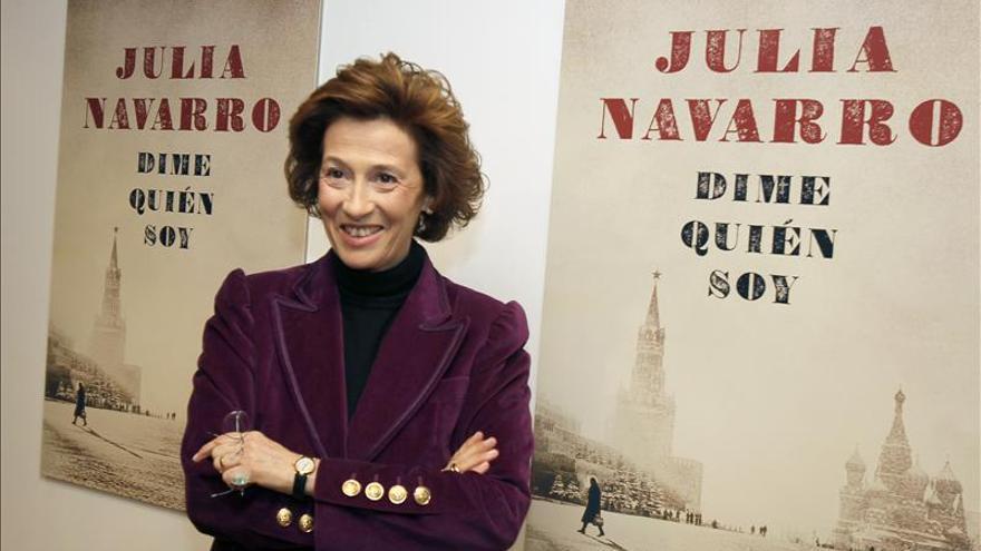 Julia Navarro declara que en España no hay justificación para bajarse libros ilegalmente