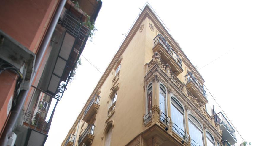 El palacete de Santángel, en la calle Caballeros, 27 de València.