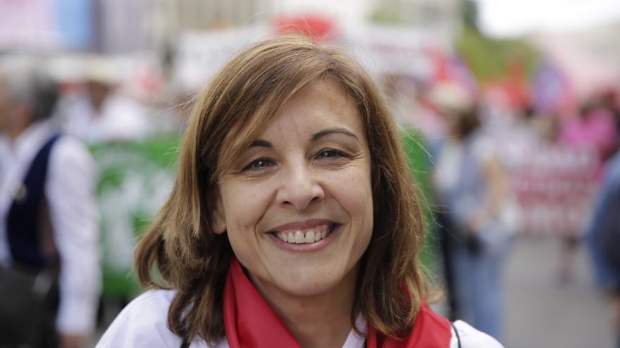 Yolanda, trabajadora del sector servicios y afiliada a UGT, en el Primero de Mayo en Madrid.