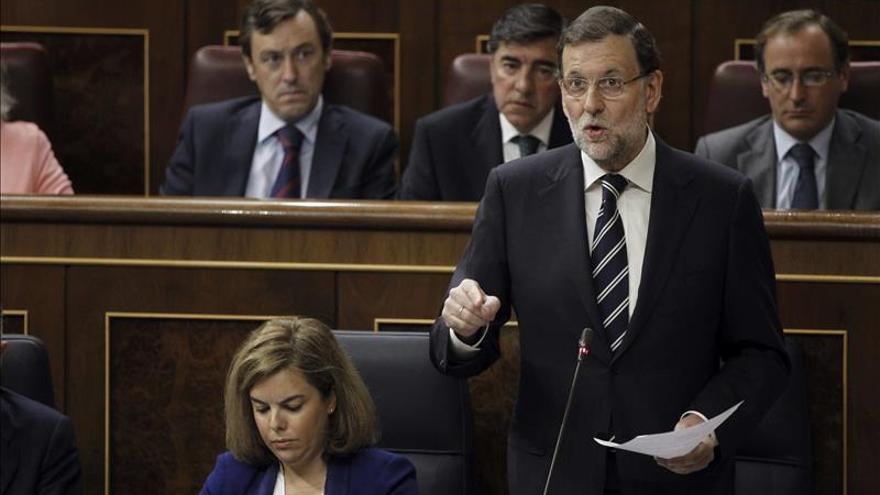 """Rajoy subraya que el Gobierno llevó al juez el caso """"inadmisible"""" de las tarjetas B"""