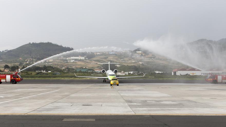 Bautizo del avión de Binter Macaronesia, en Los Rodeos