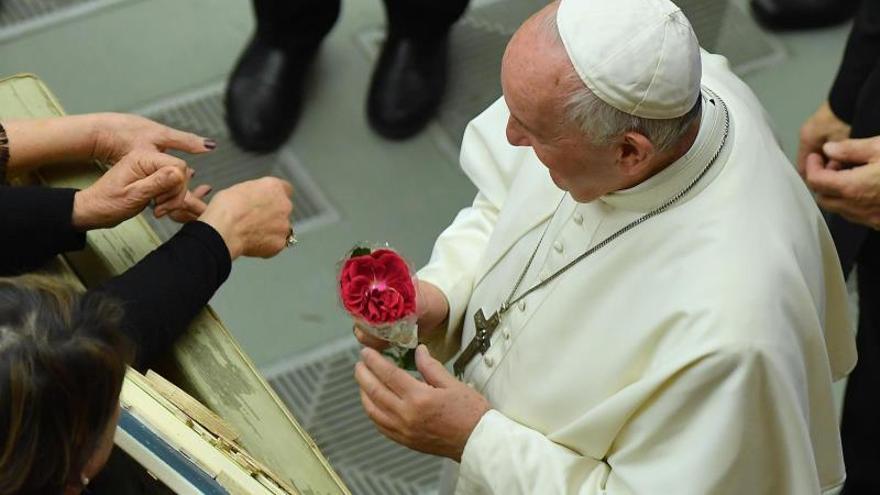 Un niño argentino fue enterrado en el Vaticano porque quería estar junto al papa