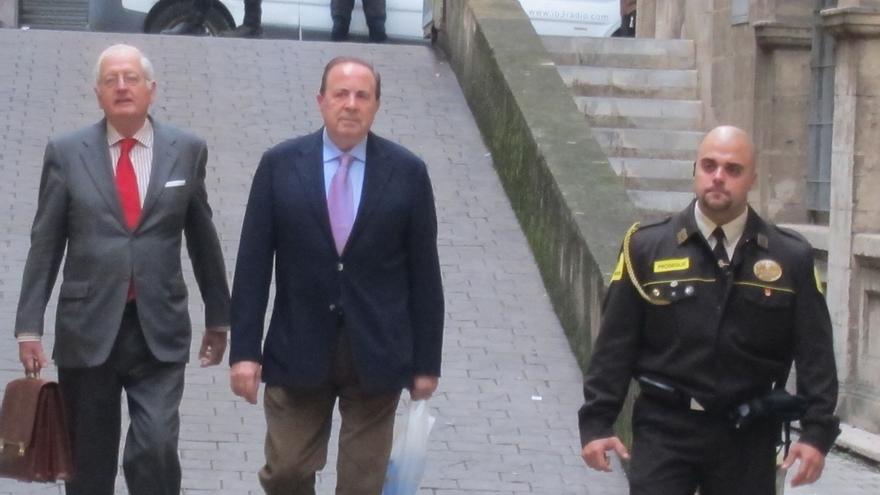 PP lleva a la Fiscalía de Palma un informe sobre supuestas irregularidades en el último mandato de Aina Calvo