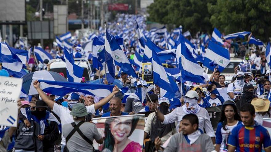 Denuncian la muerte de un abogado opositor y un paramilitar en Nicaragua