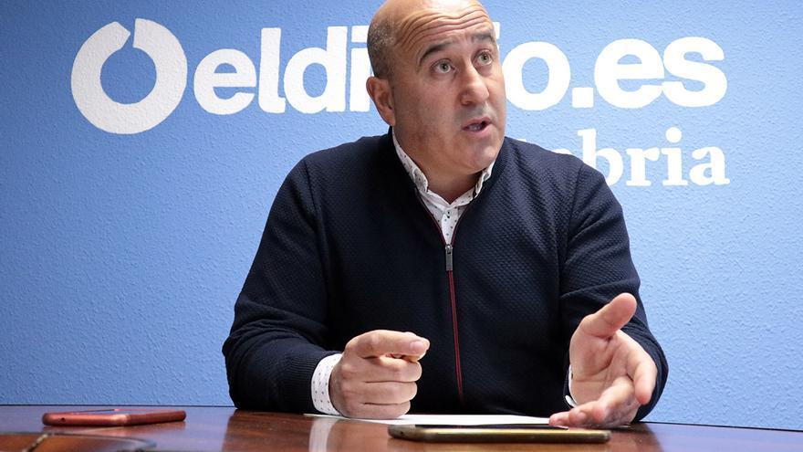 Agustín Molleda, alcalde de Cartes. | ANDRÉS HERMOSA