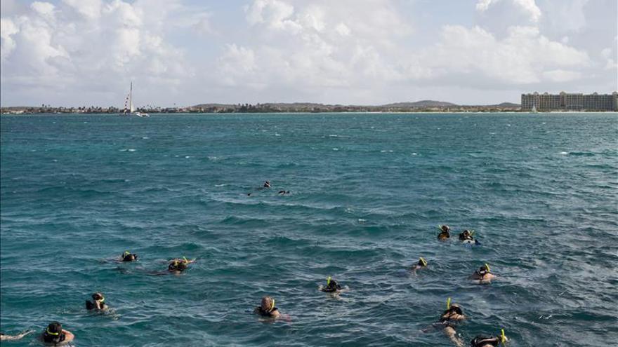Aruba recibe un galardón como destino turístico líder en energía renovable