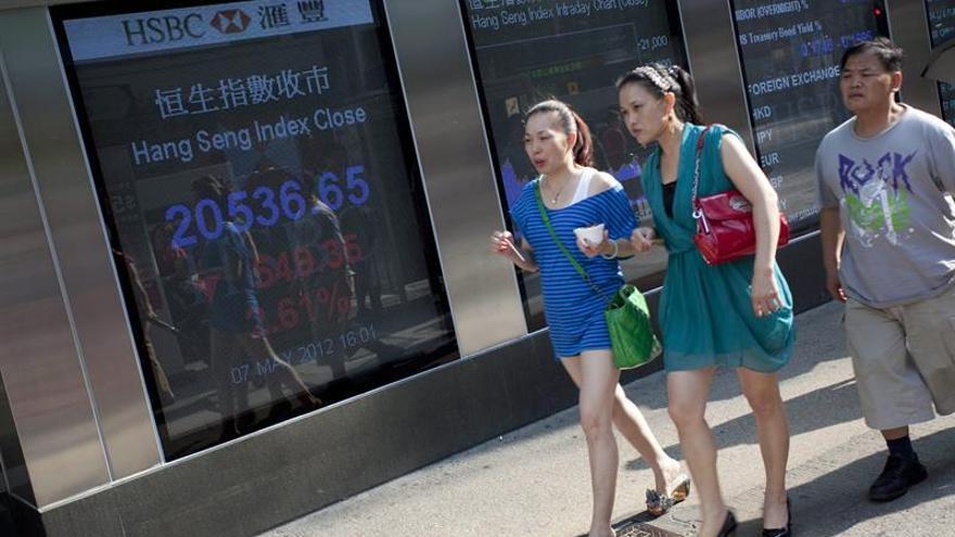 La Bolsa de Hong Kong sube un 0,34 % a media sesión