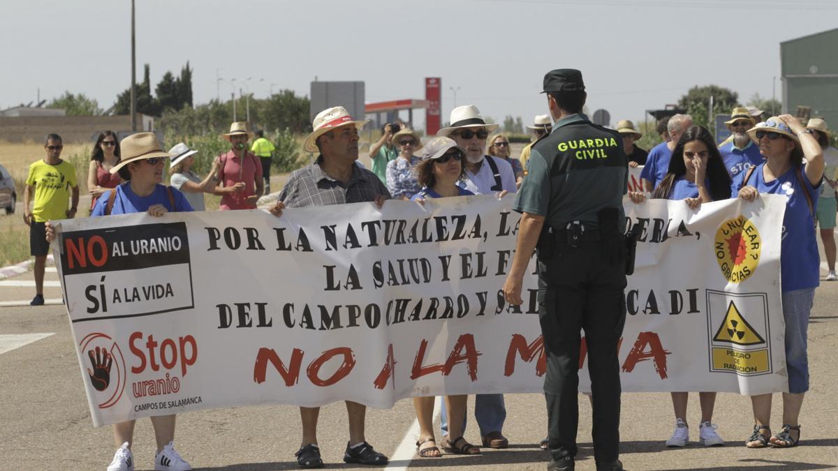 Protesta convocada por la plataforma Stop Uranio.