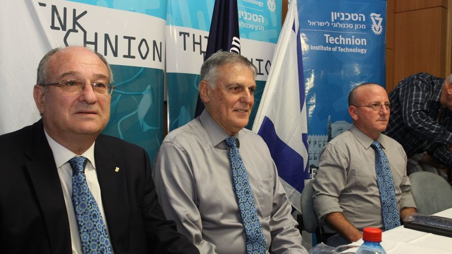 Dan Shechtman en una conferencia en Technion