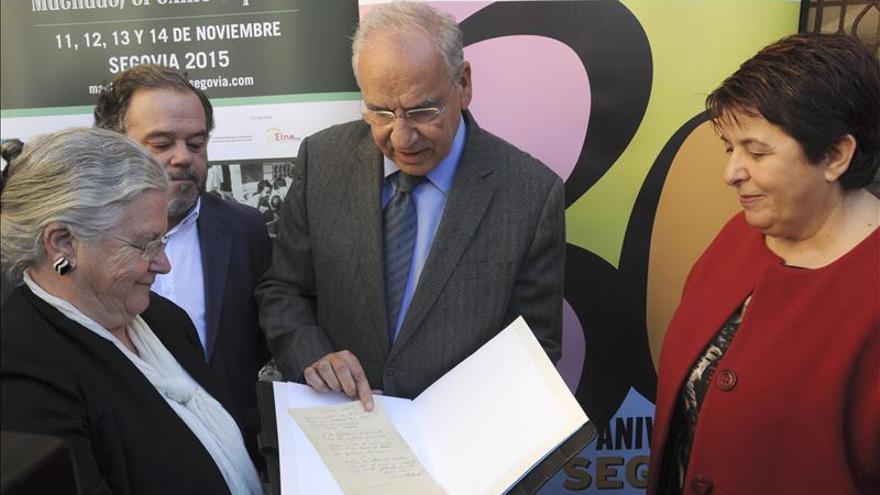 Recopilan 12.000 textos y objetos depositados sobre la tumba de Machado