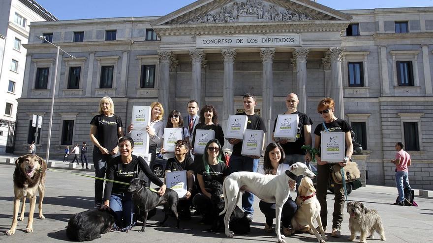 El Partido Animalista recoge más de 7.000 firmas para poder presentarse a las elecciones