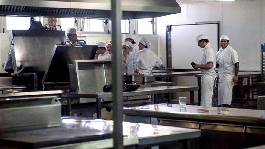Cuatro hospitalizados al estallar una olla en la escuela de hostelería de la UPV