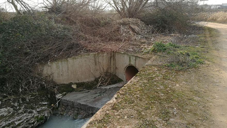 Vertido de residuos industriales en Cabanillas del Campo al río Henares