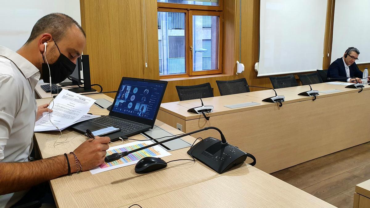 El alcalde preside una reunión telemática del Pleno de Torrelavega.