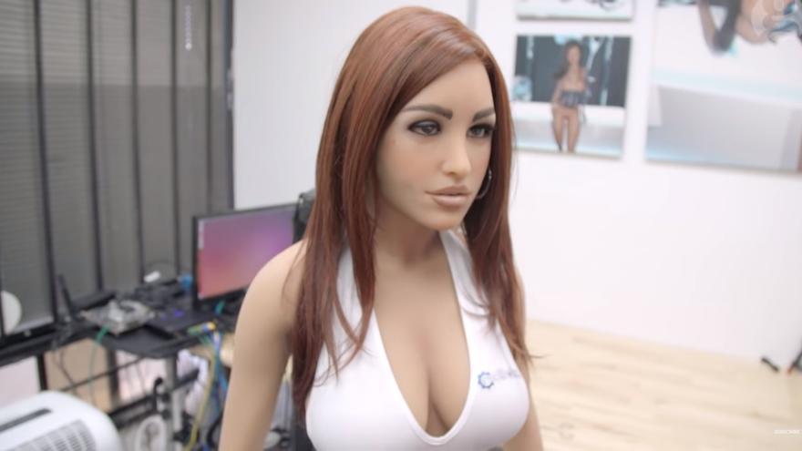 Una muñeca sexual robótica