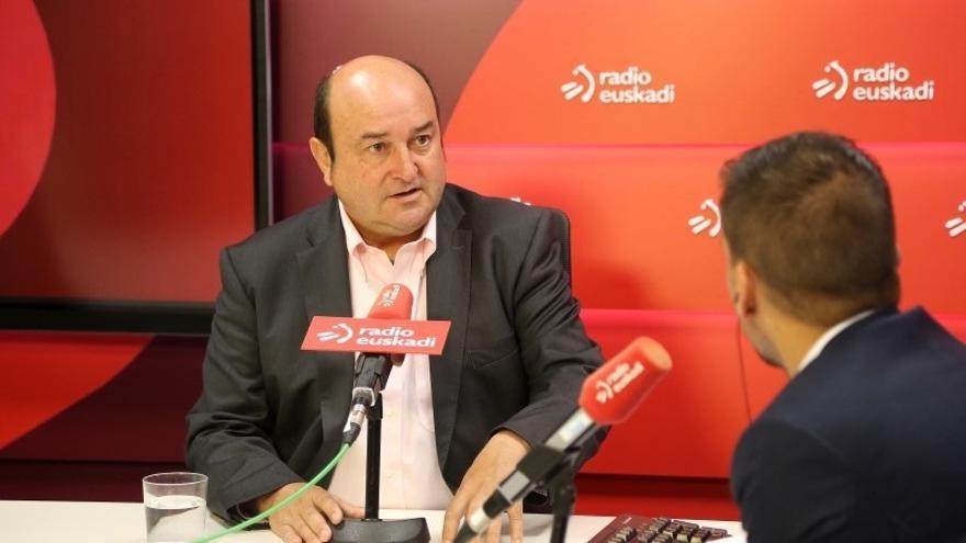 """Ortuzar (PNV) cree que en un plazo de dos años debería estar """"casi"""" cerrado un texto de nuevo autogobierno para Euskadi"""