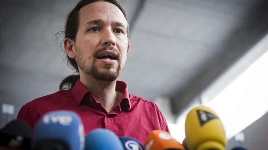 Podemos se mantiene como primera fuerza política según encuesta de El País