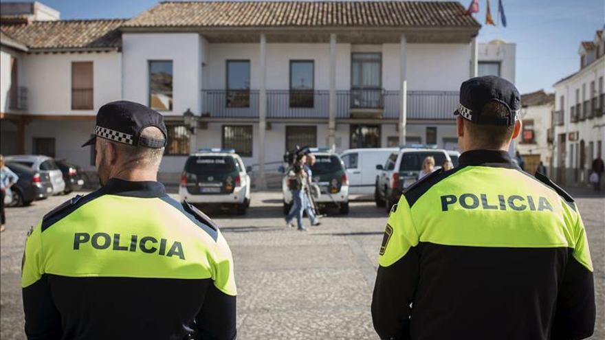 """Los ayuntamientos recurren al """"destape"""" para sortear el escándalo de Púnica"""