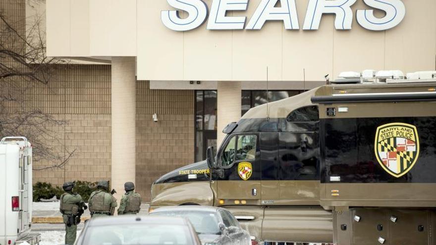 Un tiroteo causa 3 muertos en un mes plagado de incidentes similares en EEUU