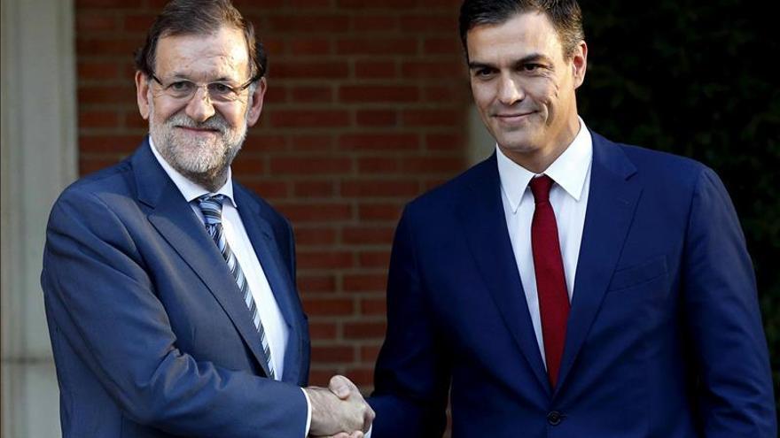 Rajoy y Sánchez, durante una reunión en Moncloa.
