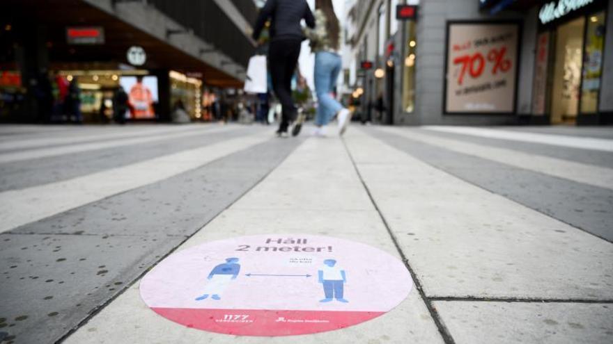 El estudio español no cambia los planes de Suecia, que niega buscar la inmunidad grupal