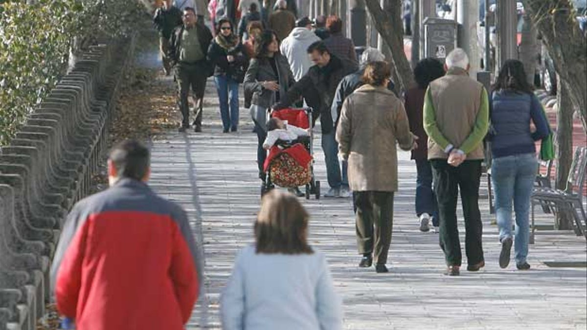 Población en una calle de Córdoba