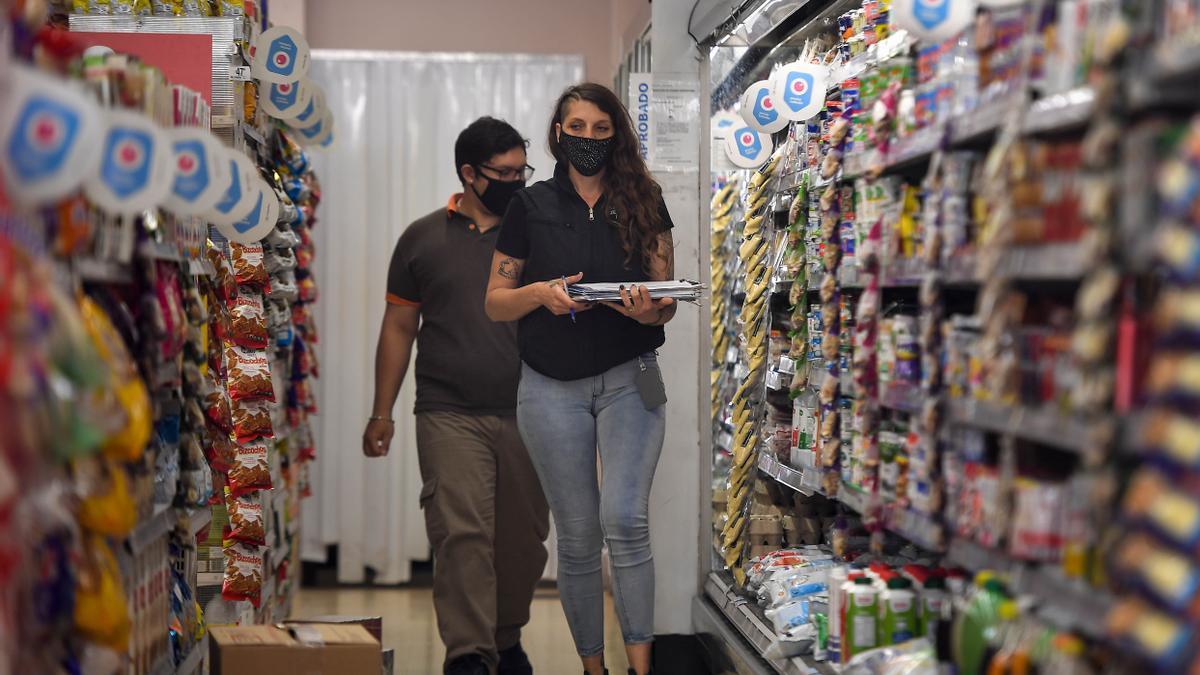 Inspecciones de precios y abastecimiento en supermercados porteños.