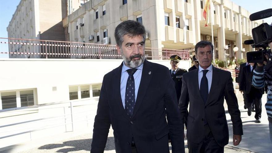 Cosidó ordena medidas para mejorar la seguridad del CIE de Sangonera (Murcia)